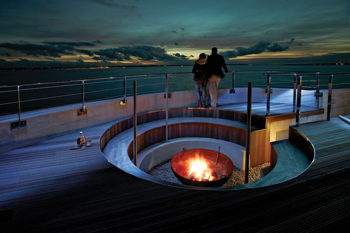 A-Victorian-Coast-Defense-Fort-Is-Transformed-Into-A-Luxury-Hotel-Spitbank-Fort-yatzer-12