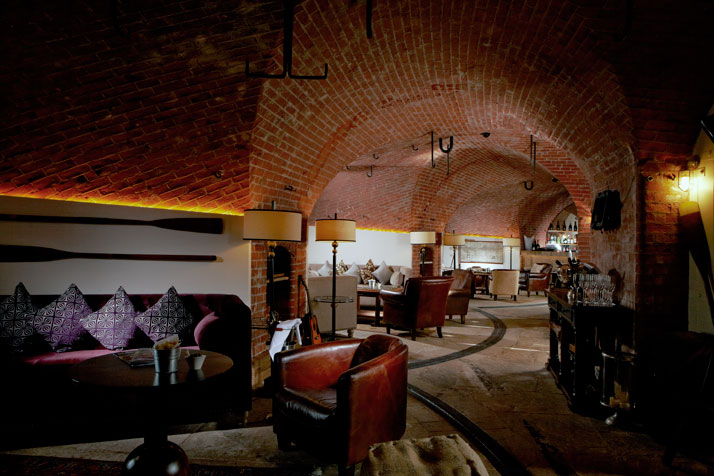A-Victorian-Coast-Defense-Fort-Is-Transformed-Into-A-Luxury-Hotel-Spitbank-Fort-yatzer-9