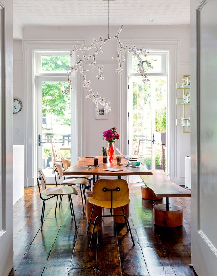 A Bolt of Blue - Dining Rooms